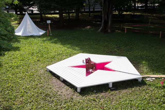 『CAMP SITE PROJECT 裏庭』アーカイブ展