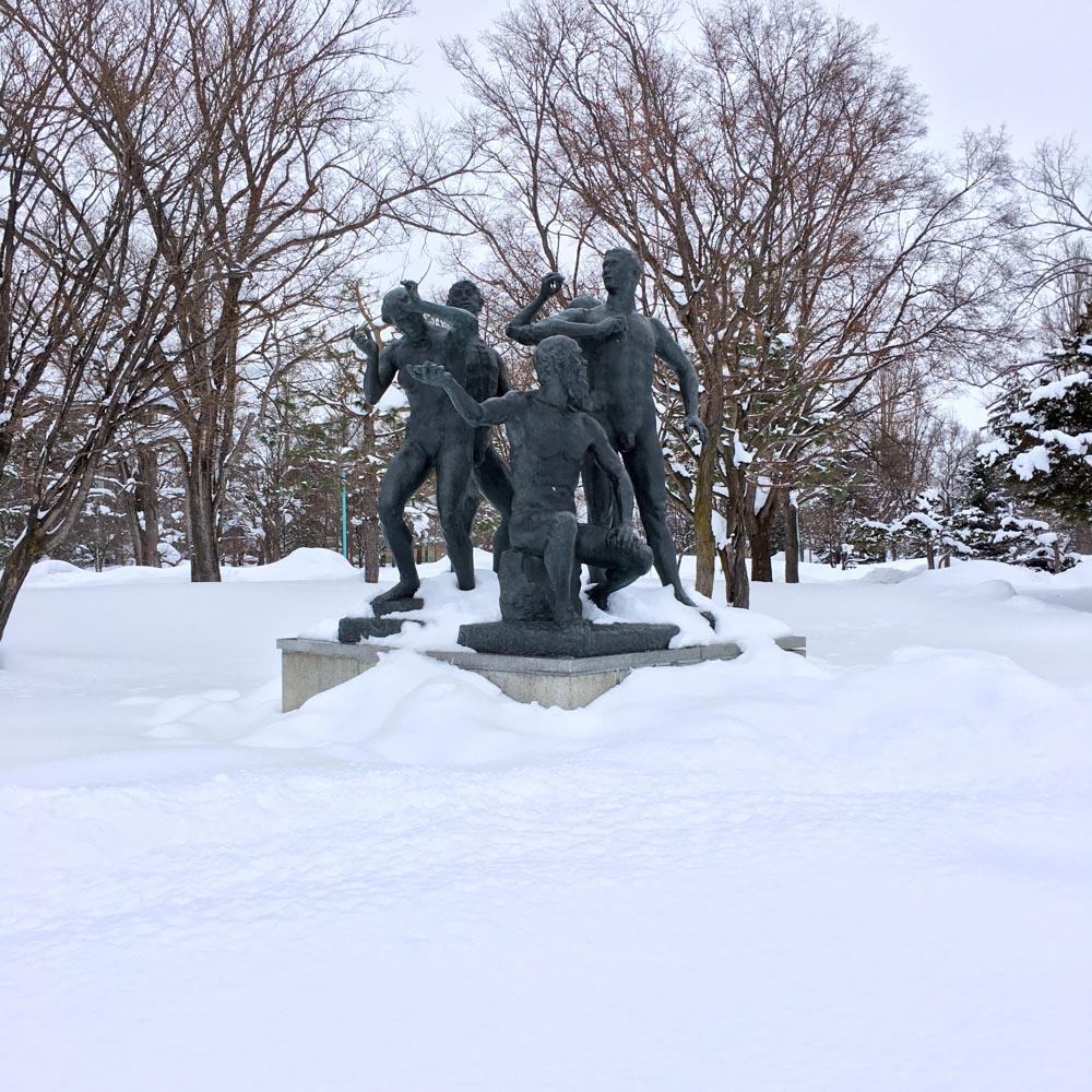画像:<p>旭川の《風雪の群像》 / 撮影:小田原のどか</p>